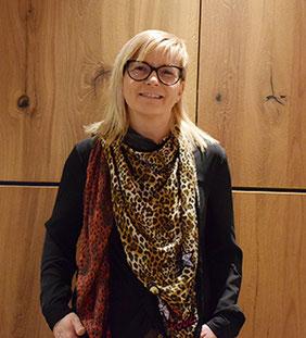 Simone Pohl, Büroangestellte