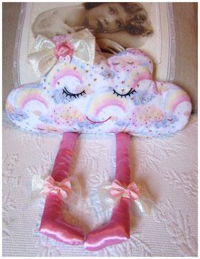 Coussin nuage pour petite fille