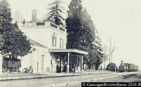 Gare de Castelnau Rivière-Basse train chemin de fer