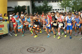 Start Elite Herren zur LD Duathlon WM mit M. Paonne (Nr. 8)