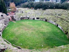 OmoGirando l'Anfiteatro romano di Sutri
