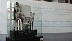 """Orlan """"Le baiser de l'artiste"""" Fiac 1976-2003"""