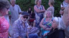 Cérès Franco à Montolieu, au milieu de quelques artistes venus parfois de très loin pour l'honorer
