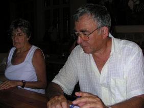 """Jean-Claude et Simone Caire à la dernière Assemblée générale du """"Bulletin..."""" en 2003"""