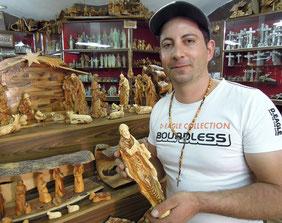 Bassem Giacaman in seinem Laden in Bethlehem. Foto: Chistoph Schumann, Hamburg, 2013.