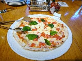 ピッツェリアのピザ
