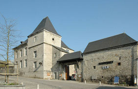 Ecomusée-du-Viroin : Ferme-chateau : Un trait d'union entre passé, présent et futur