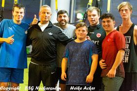 Michael Krol mit den Sportlern der BSG