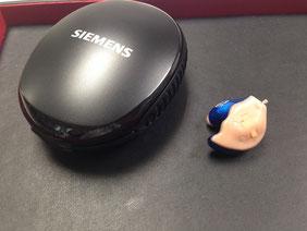 補聴器の色 ブルー