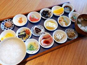 築地本願寺カフェの朝食セット