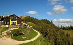 Berghütte , Bayern , Allgäu , Alpen , Berge , Landschaft , Panorama , Himmel , Deutschland , Blau , Wandern , Hüttentour , Trekking , Germany , Alps , Mountains , Mountain Hut , Landscape