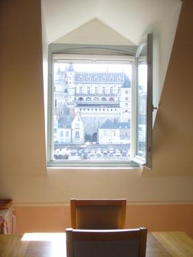 vue sur le château d' Amboise pas la fenêtre de la salle à manger