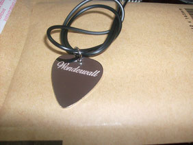 puas de plata, puas personalizadas, puas guitarra plata, pua metalica, pua regalo, merchandising, pua guitarra plata