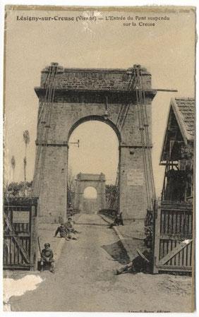 Lésigny-CP12-pont suspendu