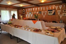 Nach getaner Arbeit wartete für die Sportler im TVH-Vereinsheim ein ebenso üppiges wie auch umfangreiches gesundes Frühstück