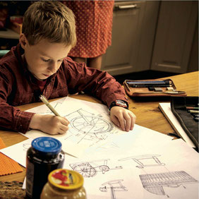 Le jeune Kyle Catlett incarne T.S., garçon de 12 ans (©Gaumont)