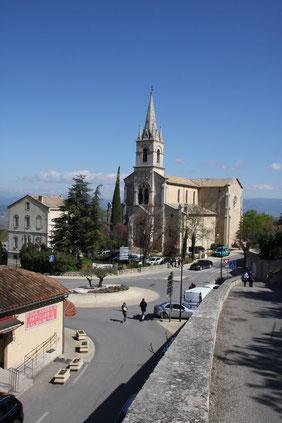 Bild: Kirche im Unterort von Bonnieux