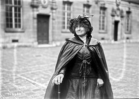 Séverine au Congrès pour la Paix (1925)