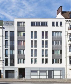 Stiftung Hieronymus Vogeler Gotteswohnungen. Wohnanlage an der Stresemannstraße mit 14 behindertengerechten Wohnungen für ältere Menschen..