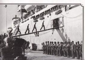 SALUTO AI MILITARI AMERICANI (1945)