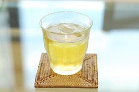 体臭を防ぐのは緑茶のカテキンや、梅干のクエン酸