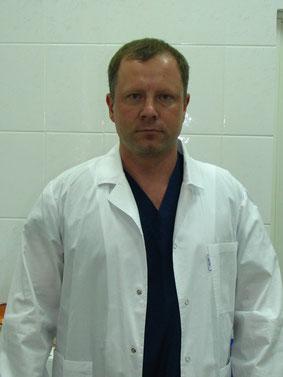 Доктор Миленин Кузя Николаевич - провод обрезания бери самом высоком уровне.