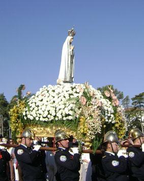 Prozession Mariensstatue Fatima Feierlichkeiten Jahrestag Erscheinung