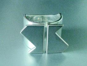Der Preisträgerring 2016 - angefertigt für Susanne Linke  (Copyright und Design: heijo hangen, 1968)