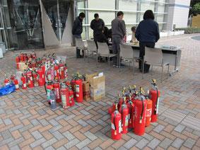 平成29年11月12日(日)浜松市消防署7か所にて不要消火器回収を実施致しました。