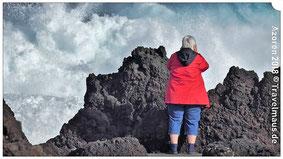 Dagmar in Biscoitos am schäumenden Atlantik