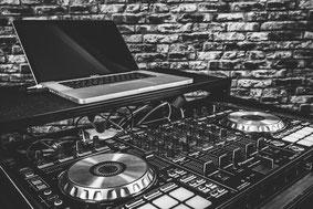 Hochzeitslocation in Sükow mit DJ.