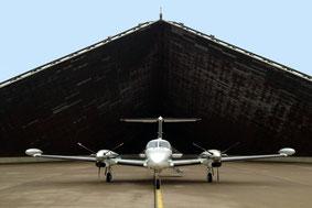 Flüge chartern, Ambulanz Flug, Cargo, Frachtflüge