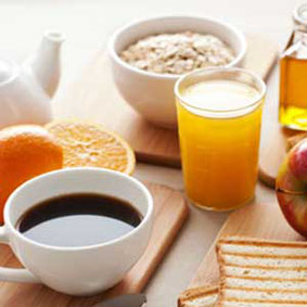 petit-déjeuner avec produits locaux