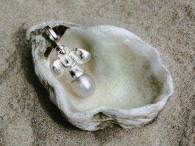 """Schutzengelchen Modell """"Julia"""" mit zusätzlicher Perle"""