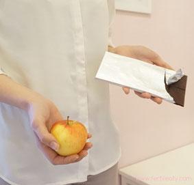 Entscheidung gesunde oder ungesunde Lebensmittel für Fruchtbarkeit, Kinderwunsch und Schwanger werden