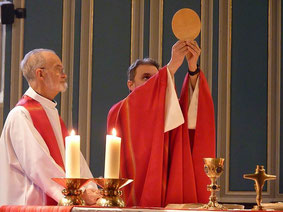 Eucharistie - Avec Les Pères Tanneguy de Saint Martin et François Diverres