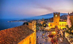 Taormina Sunset Walking Tour with Aperitif on Rooftop Terrace