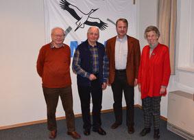 von links nach rechts: Hr. Kessner (30 Jahre), Hr. Braun (40 Jahre), Sprecher N. Schupp, Fr. Siller (30 Jahre)_Foto: Schupp