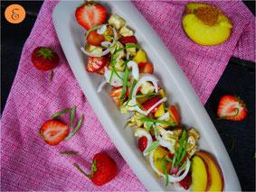 Erdbeer-Pfirsich-Salat / Mozzarella