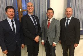 v.l.n.r. Oberbürgermeister Thumann, die Referenten Kinzkofer und Zimmermann,  FW-Kreisvorsitzenden Müller. Foto: Meier/PR
