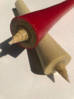 年輪模様が見える国内産櫨の実蝋を使用した全行程手作りの和ろうそく
