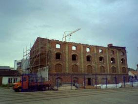Foto des Hafenspeichers zu Beginn der Bauarbeiten
