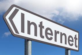 Panneau de direction internet