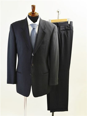ジョルジオアルマーニのスーツ