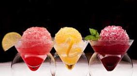 ¿Hay algo mejor que una bebida refrescante para relajarse y olvidar las altas temperaturas veraniegas? Refresca tu verano aprendiendo a preparar nuestros deliciosos Frozen.
