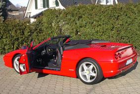 Ferrari F355 Cabrio mit Lautsprechergehäuse Aussenansicht