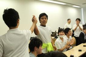 浦和高校、大事な場面での正解に思わずハイタッチ!