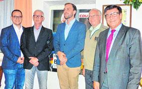 OV-Vorsitzender Wintz (3 v. links)