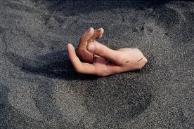 "Photo Arnaud Claass ""Main - extrait Heure Locale"" 2005-2008 /"
