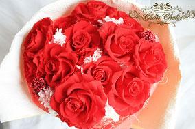 ディズニー プロポーズ ダズンローズ 赤バラ プリザーブドフラワーの花束 ミラコスタ 配達 オーダーフラワー  シュシュ chouchou